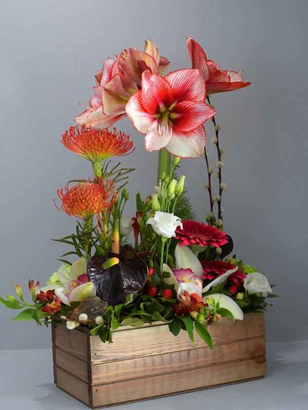 Αποστολή Λουλουδιών Σύνθεση Σε Ξύλινη Βάση