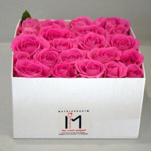 Ροζ Τριαντάφυλλα Σε Λευκό Κουτί