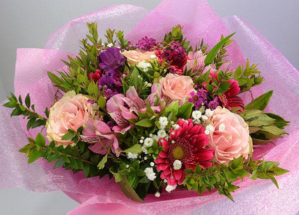 Μπιουκέτο Με Διάφορα Λουλούδια